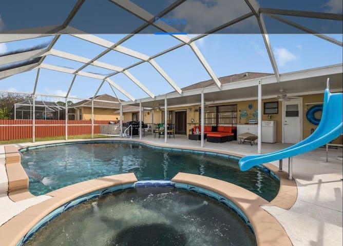 La venezia beautiful 4 bedroom pool/spa