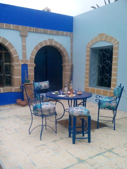 Terrasse (pour petit-déjeuners, déjeuners ou dîners)