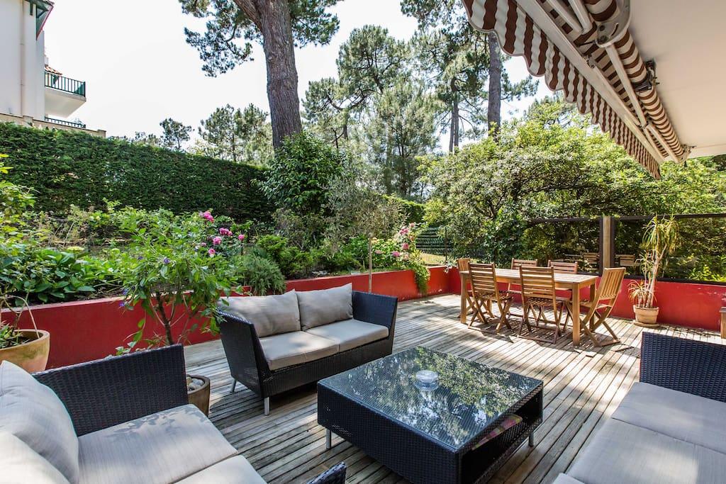 Appartement terrasse et jardin appartements louer for Appartement terrasse et jardin