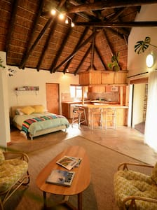 Thatched Studio Near the Beach - Cape Town