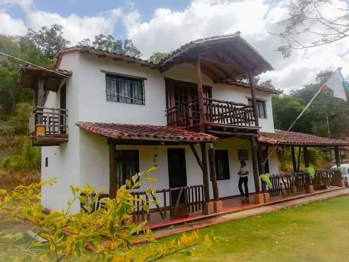 Cabaña campestre Familia Rodríguez
