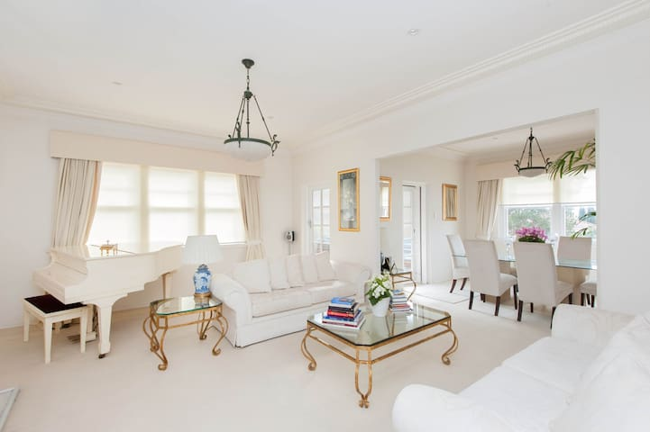 Double Bay Waterfront Classic - Double Bay - Apartment