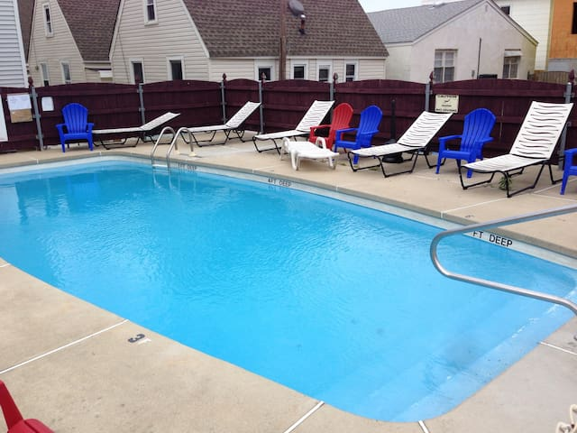 107-Hotel 1BR Apt-1 Block with Pool - Seaside Heights - Apartment