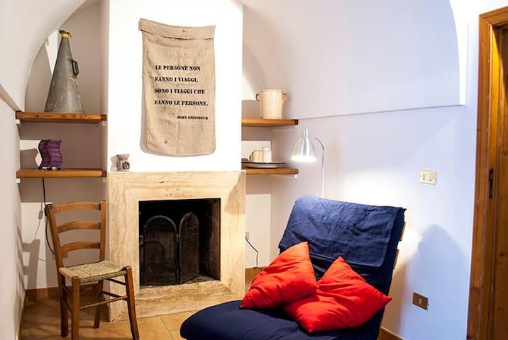 The artist's trullo - Alberobello - Haus