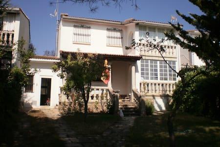Casa en Miraflores de la Sierra. - Talo