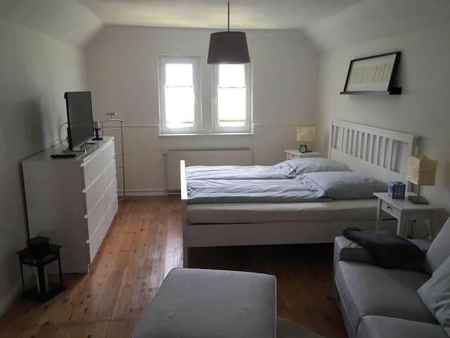 Ferienwohnung mit direkter Strandlage und WLAN kl. - Ostseebad Boltenhagen - Apartamento