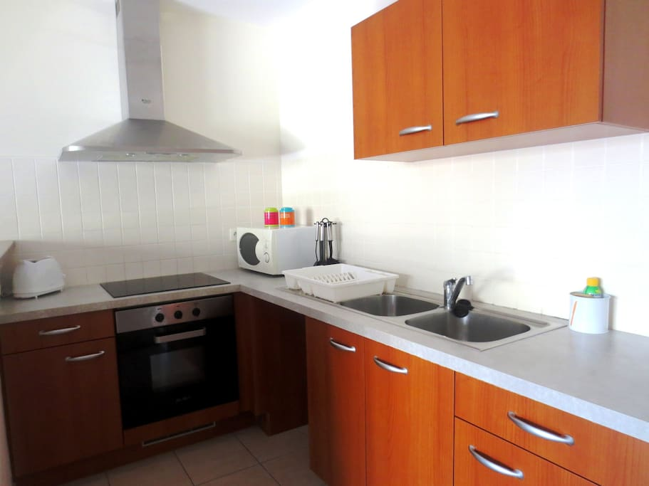 modern and very central appartement departamentos en alquiler en numea south province nueva. Black Bedroom Furniture Sets. Home Design Ideas