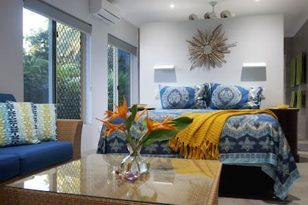 """""""Seabrook by the Sea"""" - Private Modern Apartment."""