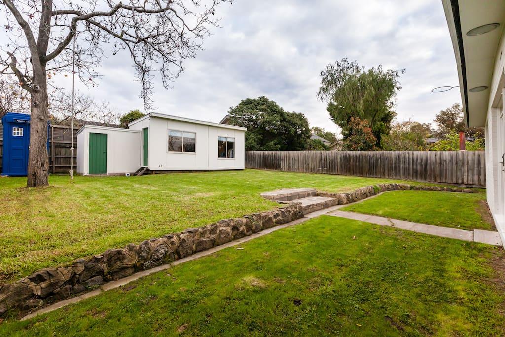Delightful Studio Cabin Apartments For Rent In Kew East Victoria Australia