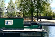Beautiful 57ft narrowboat in the City