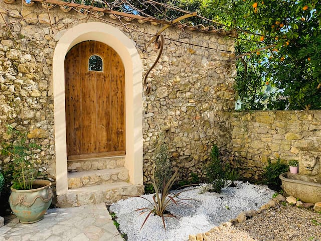 Private House with garden in Mougins old Village