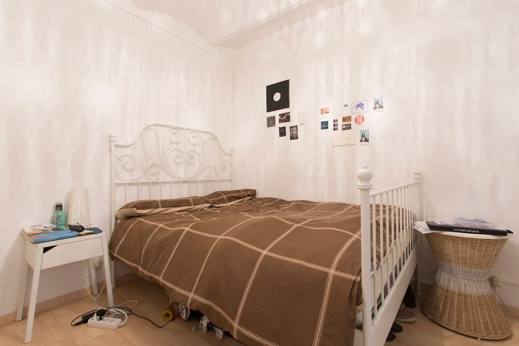 Double room in city center private bathroom for Bathroom traduction