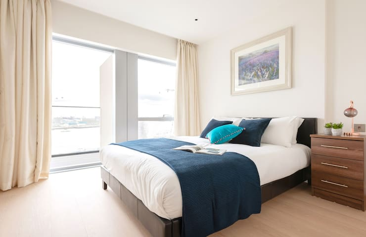 Magnificent 1bed Apartment next to 02 Arena  9895