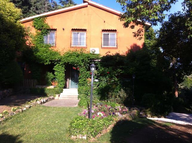 Camera indipendente in Villa