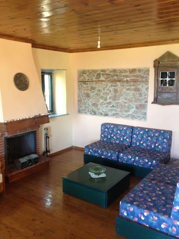 Traditional stone house, Kallirahi - Kallirachi