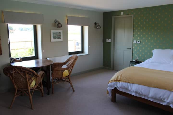The Barn, Staplehurst: Detached rural property