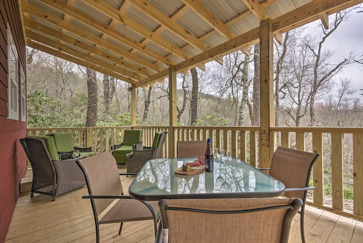 Charming Linville Mountain Studio w/ Deck & Views!