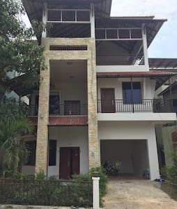 BS Holiday Villa - Krong Preah Sihanouk - บ้าน