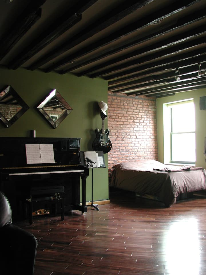 East Village Loft with Piano & Patio