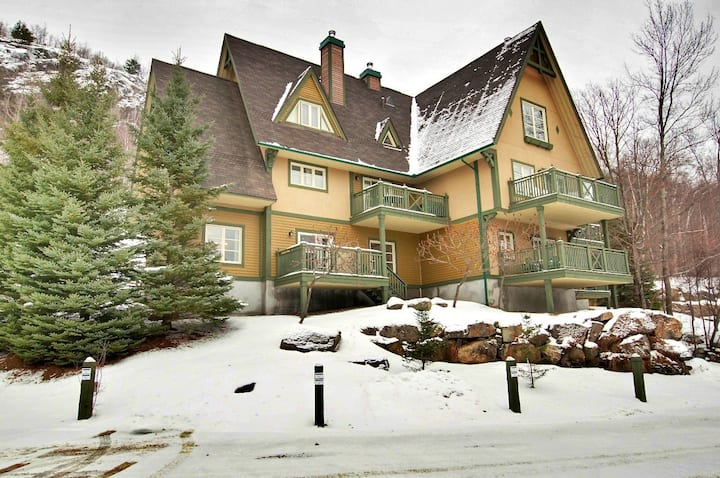 Slopeside Tremblant Condo 3(Extended Unit) groups!