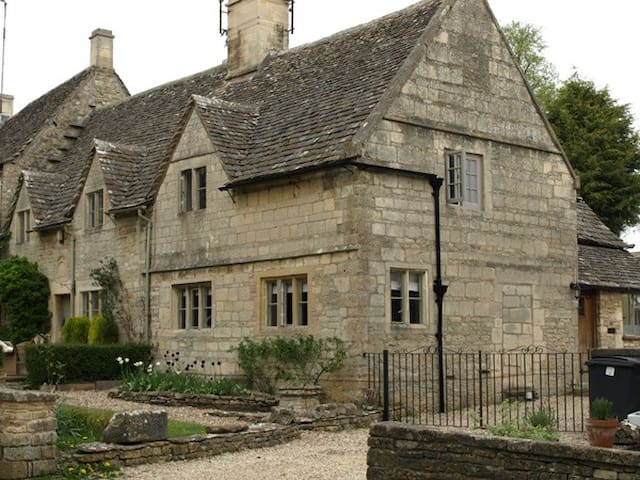 Cosy modern cottage in the Cotswold - Bibury - Rumah