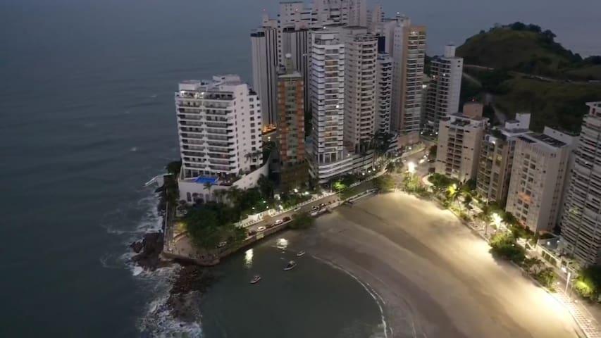Guarujá - apartamento a 350mts da  Praia Astúrias