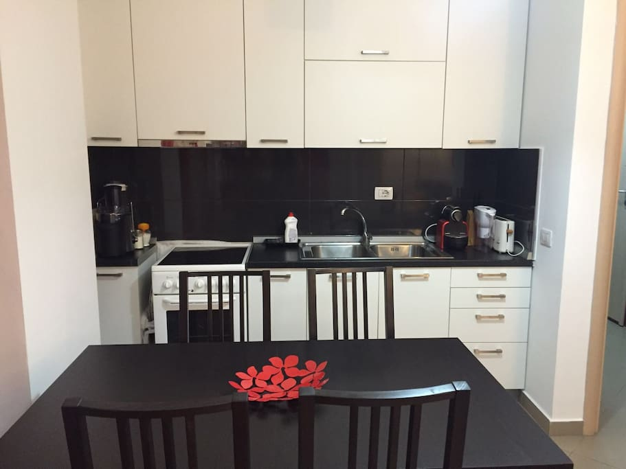 A practical equipped kitchenette