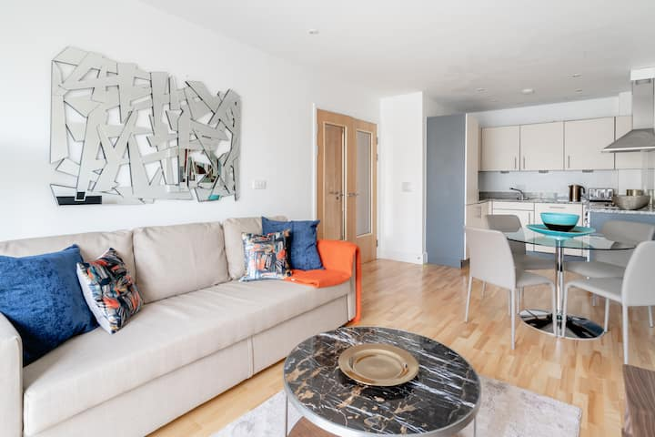 ⭐️Heart Of Oxford Castle Sleeps 4 New Apartment⭐️