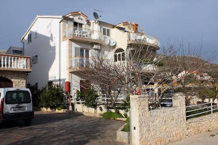 Studio flat with balcony and sea view Grebaštica, Šibenik (AS-4867-a) - Grebaštica
