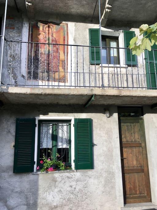 Tranquilla casetta nella valle del bitto houses for rent for Tegole del tetto della casetta