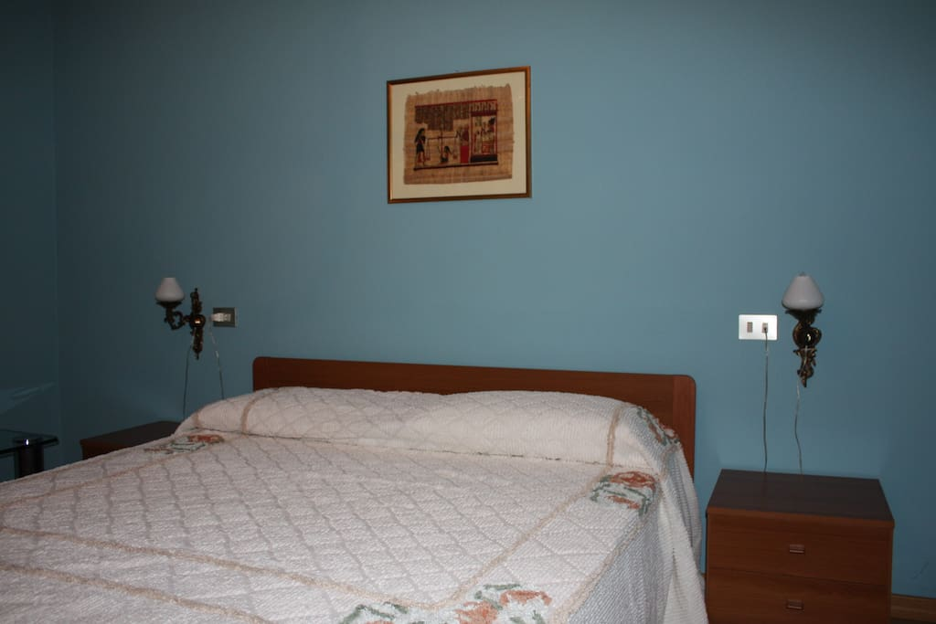 Stanza Blu con letto matrimoniale - Blue Room with king size bed