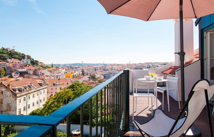 Style and views over Lisbon!