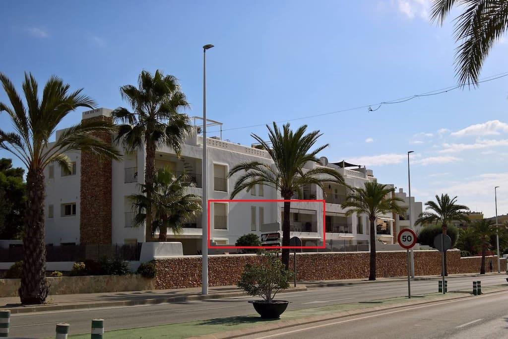 Ubicación apartamento frente a Avda. Madrid.