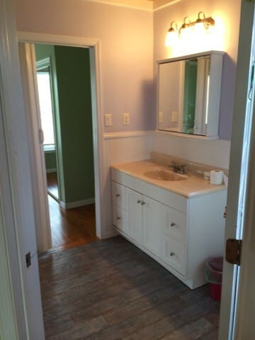 Bathroom on main floor shared by two bedrooms
