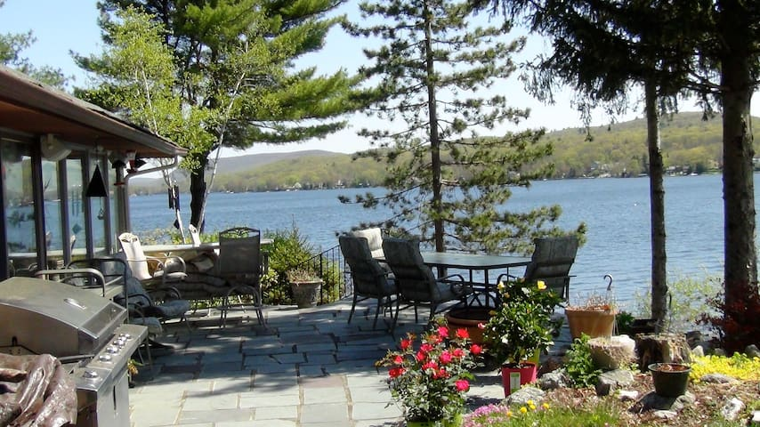 Cozy Lakehouse with beautiful views - West Milford - Huis