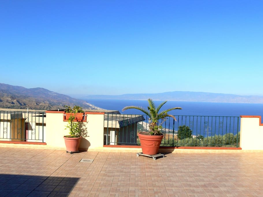 Big roof terrace with view to Calabria