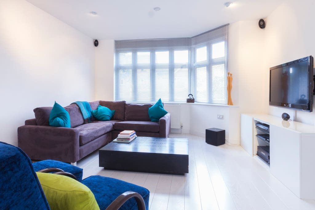 TV/sitting room with extremely comfortable sofa!
