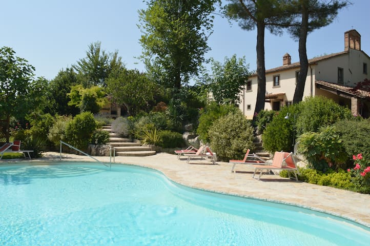 Restored Medieval Chapel, Pool & Spectacular Views - Petriolo - Villa