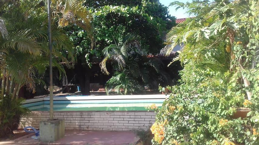 Home with swimming pool in Asuncion center - Asunción - Dům