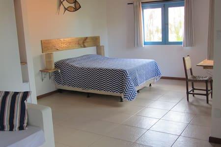 """Room #3 in """"A casa do vizinho"""" - Itaparica - ที่พักพร้อมอาหารเช้า"""