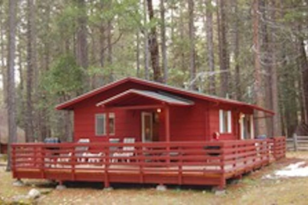 Large deck with amazing view of Wawona Dome