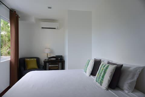 Cozy Private Room in the City - Quiet Location.