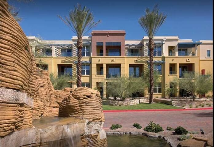 Marriott Canyon Villa - Final Days of Phoenix Open