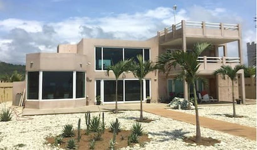 LasPalmas Luxury Beachfront 2 Bedroom Family Suite