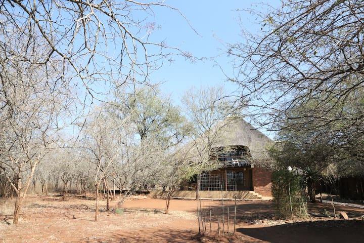 Beautiful cottage next to Kruger Park