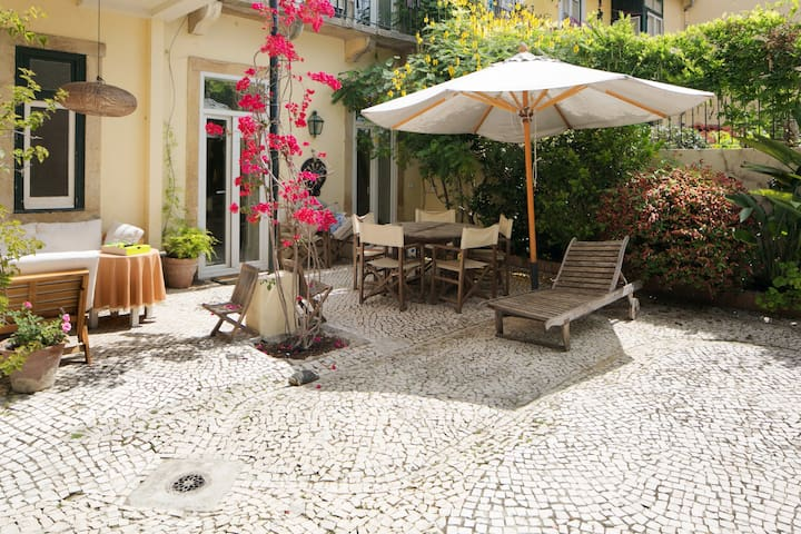 AP4 Beautiful historic house with garden up to 8 - Lisboa - House