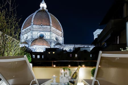 Spectacular private terrace Duomo