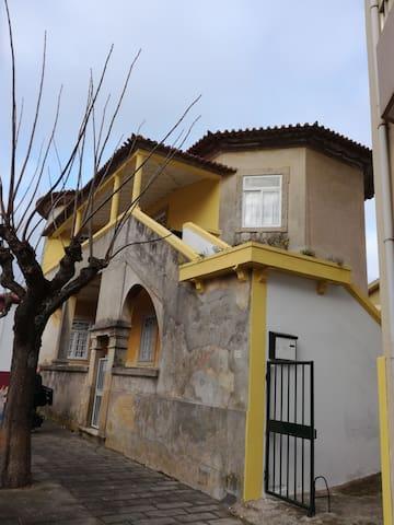 Casa Amarela R28