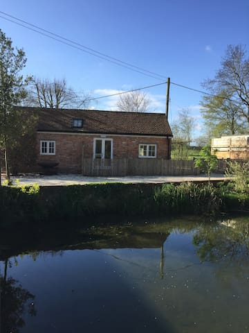 Thornborough Mill Cottage