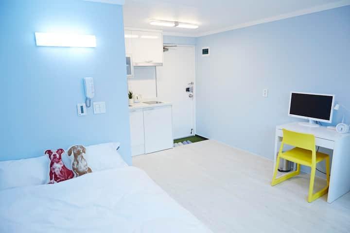 Private Comfy Studio w Dbl Bed (B)